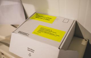 Enviament de mostres de COVID-19 al laboratori de referència